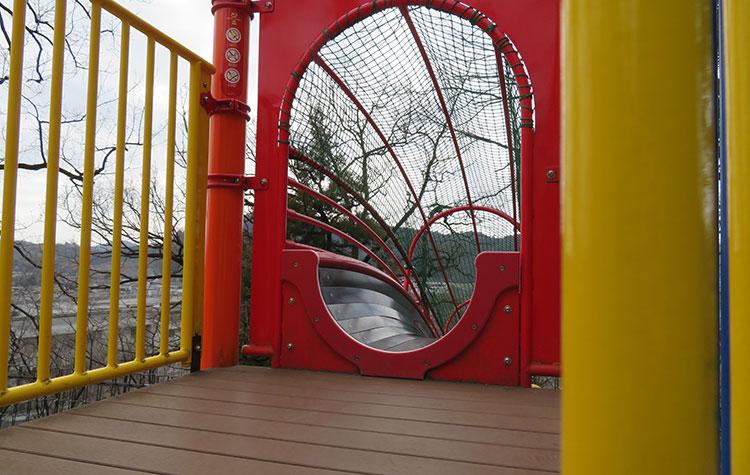 嘉多山公園 ロングスライダー
