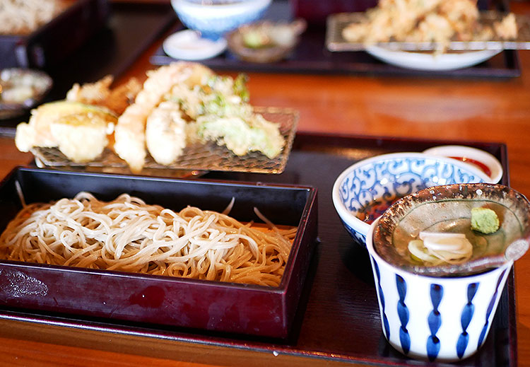 蕎麦 永(とこしえ) 天ぷら盛り合わせせいろ