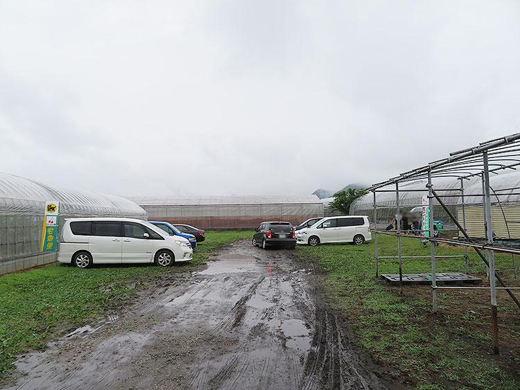 こまき園 駐車場 雨の日