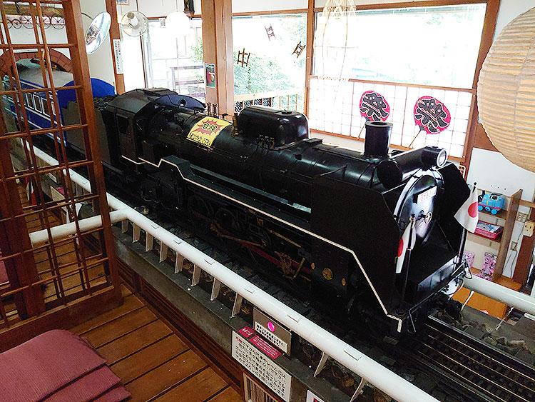 レストラン蒸気汽関車_機関車