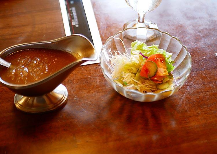 すてーきしゃぶしゃぶ二本松‗サービスステーキのサラダ
